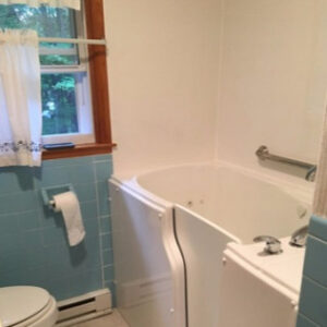 handicapped-accessible-tub-ATW-3-9g2